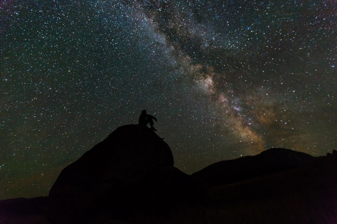 milky-way-rocks-night-landscape.jpg
